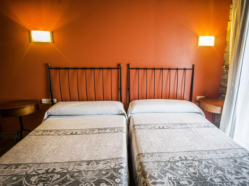 habitaciones hotel cerca de San Sebastian con encanto barato 2