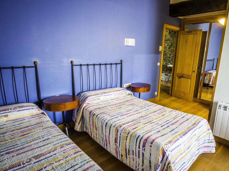 habitaciones hotel cerca de San Sebastian con encanto barato 5