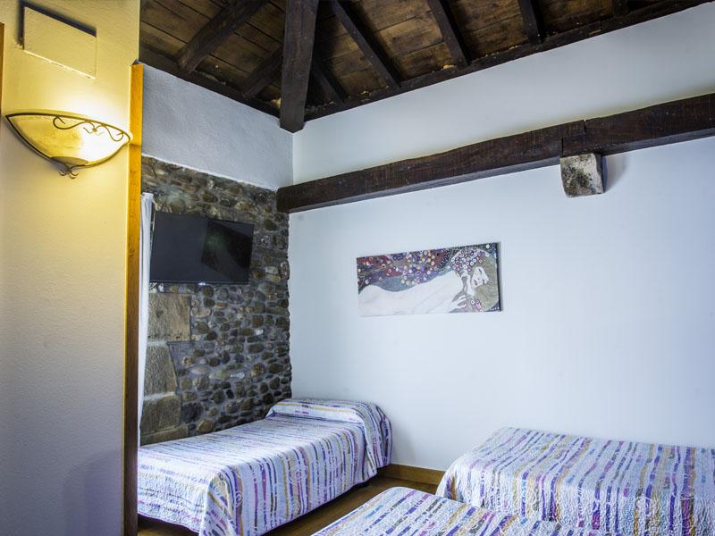 habitaciones hotel cerca de San Sebastian con encanto barato 7