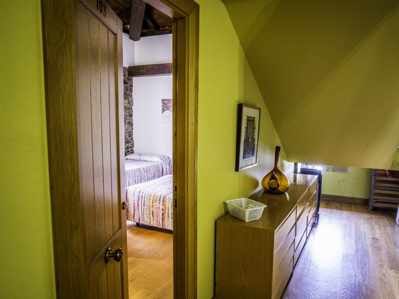 habitaciones hotel cerca de San Sebastian con encanto barato 9