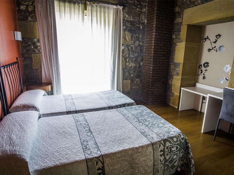 habitaciones hotel cerca de San Sebastian con encanto barato1