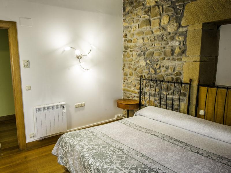 habitaciones hotel cerca de San Sebastian con encanto barato 13