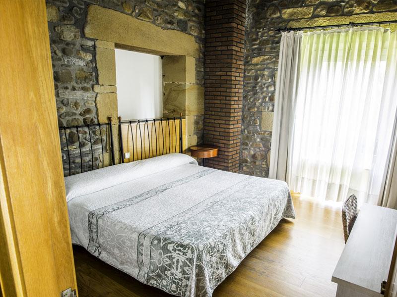 habitaciones hotel cerca de San Sebastian con encanto barato 29